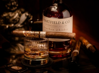 GURKHA Bourbon Col. Churchill Maduro
